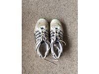 Studded cricket shoes UK 7