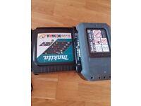 Selling Makita 36v charger and battery 36v 2.6ah