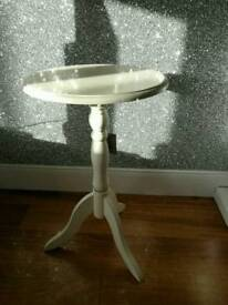 For Sale.. Brand New & Boxed Pair Of Wayfair White Side Tables