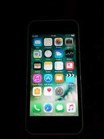 Apple iPhone 5c 16 gb white on Vodafone