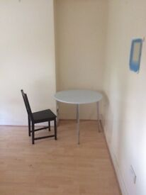 Two large bed rooms to let in selsdon( south croydon).