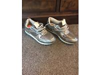 XTI Trainers Size 5 in Gold Champagne As new