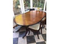 Extendable mahogany table x6 seats