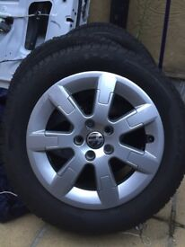 15inch pirelli sport tyres and alloys set