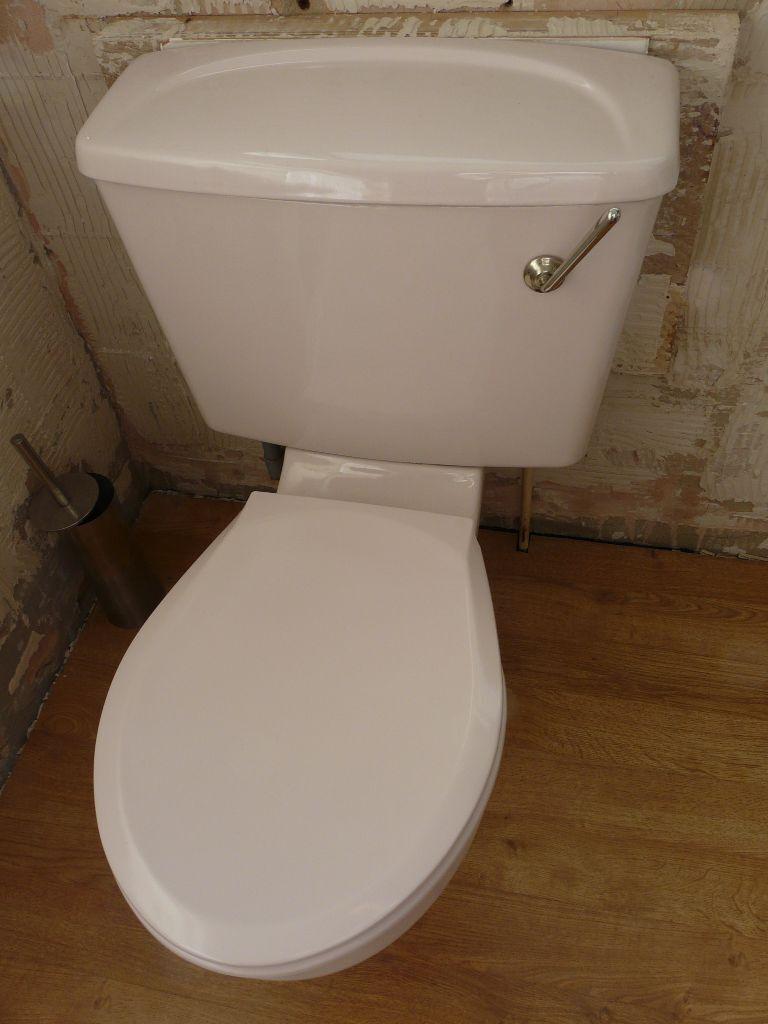 Pink bathroom suite - Retro Pale Pink Bathroom Suite Toilet Bath Basin Free To Collector