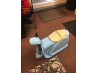 CHILDS SCOOTER SUITCASE