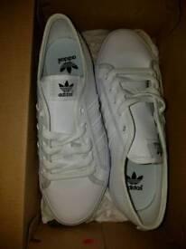 Adidas Nizza White - Size 4