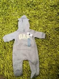 Gap romper suit