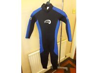 Mens Wetsuit Size Small suit teenager