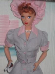 """1998 Barbie LUCILLE BALL AS LUCY RICARDO """"Job Switching"""" #21268 NRFB"""