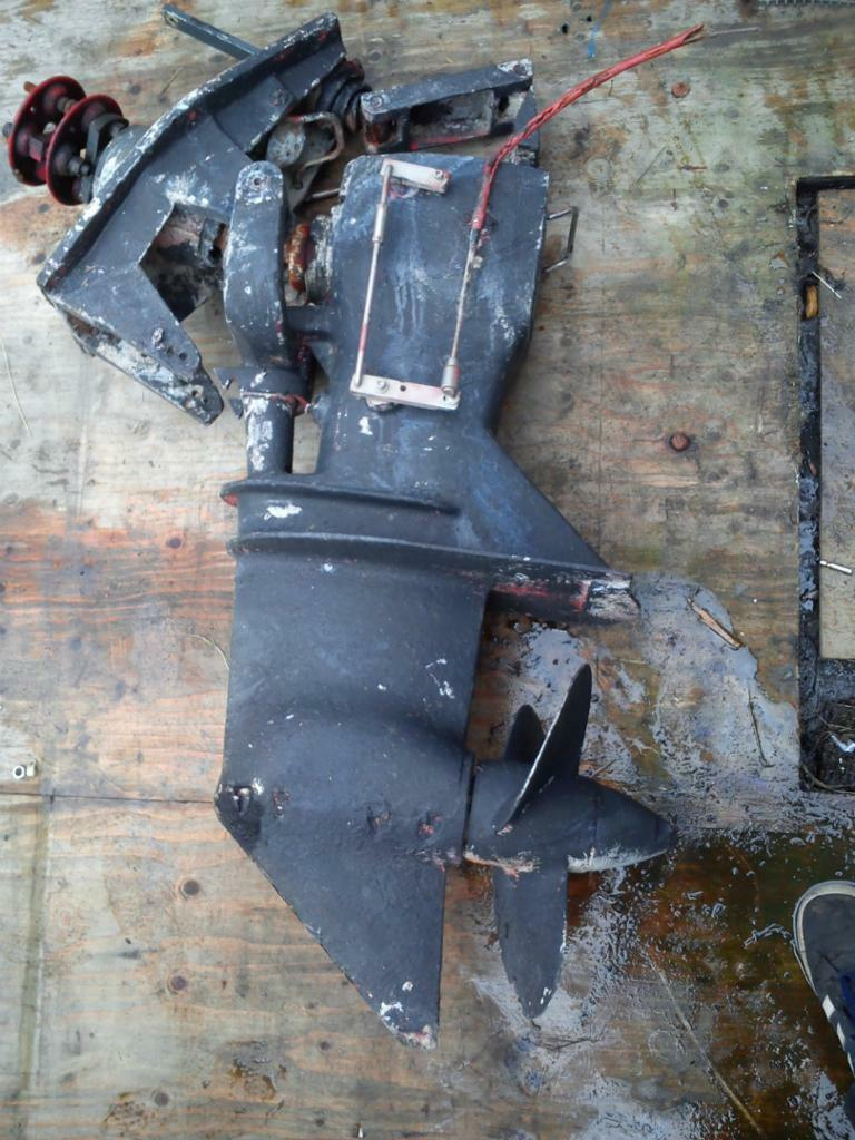 Boat Stern Drive Leg Sonic 100 And Transom Plate In