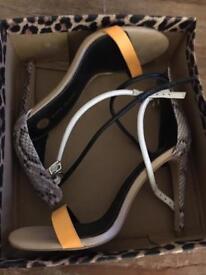 Size 6 39 ladies heels river island paid £45!