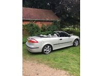 Saab 93 Vector convertible, 20.L 2005. Manufactures colour is silver but we call it champagne.