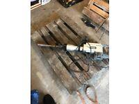 Screw fix TITAN TTB280DRH electric breaker 230v