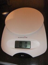 Hanson Kitchen Scales 5kg/11lb