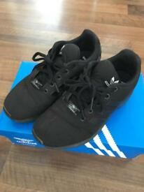 Adidas Flux Juniors size 5