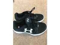 Black Under Armour trainers - Size 7