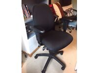 Nealry New Arm Rest Office Chair, Very Comfy, Quality Condition