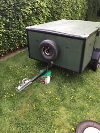 Hard wearing trailer with lid.