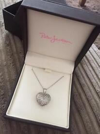 9ct White Gold Heart Pendant Necklace * UNWORN *