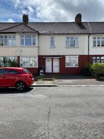 Beautiful maisonette to let in Ilford