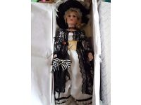 6 Porcelain dolls part of the Alberon Collection £200 ONO