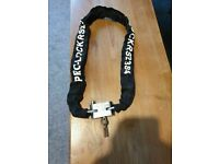 chain bycicle with padlocker almost new almost 1meter