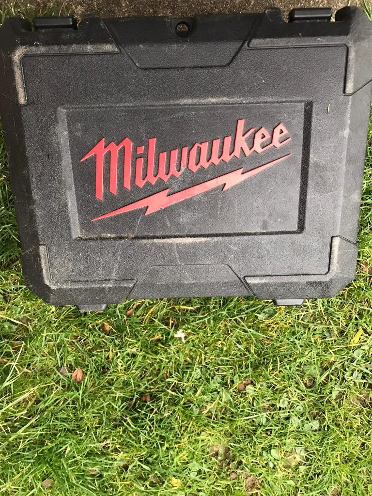 Milwaukee combi drill
