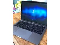 Apple MacBook Pro - Space Grey - 13 inch - Late 2016 (Touch Bar)
