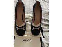 Gucci Black leather court shoes