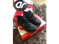Kids Nike Huaraches ultra size 10