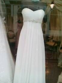 Ivory chiffon bridal gown size 10/12