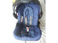 Graco blue car seat group 0