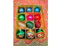 VINTAGE CHRISTMAS BAUBLES Mixed 3 Hand Painted in Mint Condition 3 Sculptured & 6 Plain DECORATIONS
