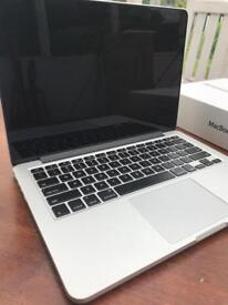 macbook pro 2015 13 inch, 2.7 ghz, 16gb ram, 512 gb ssd, top spec like new