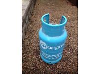 13kg butane MacGas gas bottle.