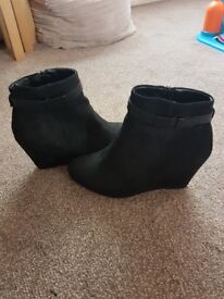 Size 8 wedge boots