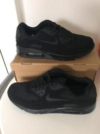 Men's size 10 trainers brand new free delivery