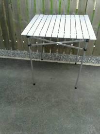 Camping roll up aluminium table