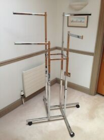 Heavy duty chrome retail display stand