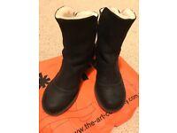 Art Oteiza block heel women's ankle boot black size 5