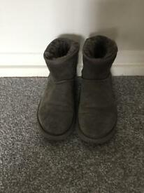 Uggs Size 3.5