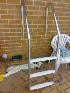 3 Step In-Ground Swimming Pool Ladder S/Steel Non-Slip Steps Frankston Frankston Area Preview