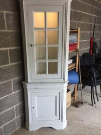 ***REDUCED!*** STUNNING SHABBY CHIC CORNER UNIT IN ANNIE SLOAN OLD WHITE