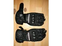 Motorcycle gloves kids age 5 to 7 now £7.50