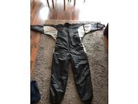 Dry suit under suit