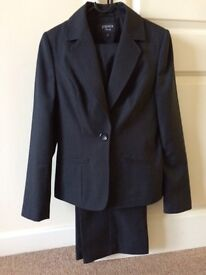Suit Women' s size 8 Papaya tailoring office wear coat and trouser