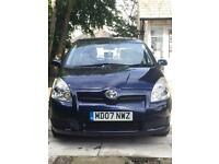 Toyota Verso 2.2 D4D in Blue