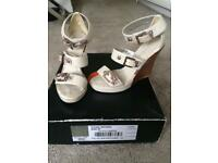 Karen Millen shoes size 4