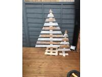 2x Rustic pallet Christmas tree